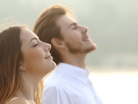 Globoko, sproščeno dihanje: Najpreprostejši ukrep za zmanjšanje bolečin!